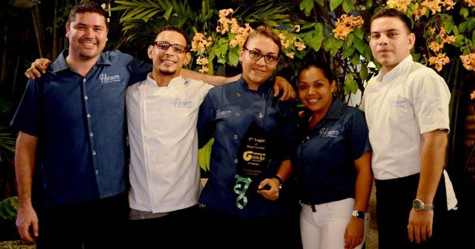 Este es el equipo ganador del restaurante El Hicaco. Cortesía /La República