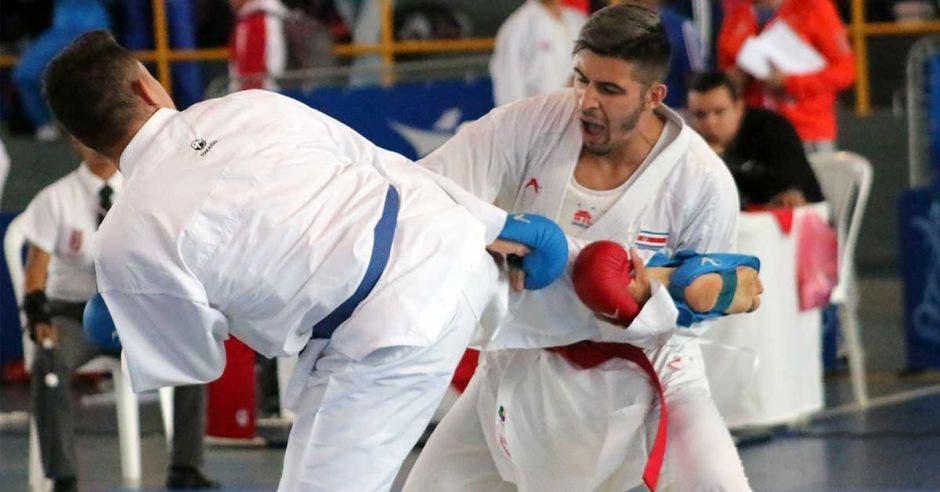 karatecas peleando