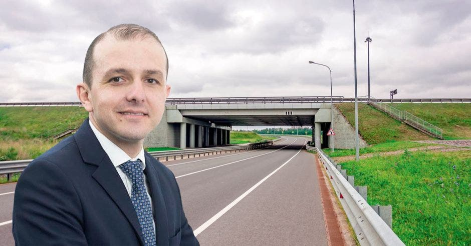 """""""Las mejoras en infraestructura no suceden de la noche a la mañana"""", dijo Federico Villalobos, encargado de infraestructura de Deloitte. Shutterstock- Elaboración propia/La República."""
