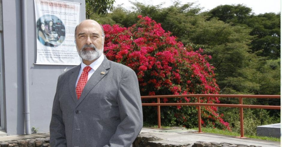 Alberto Salom, rector de la Universidad Nacional. Archivo/La República.