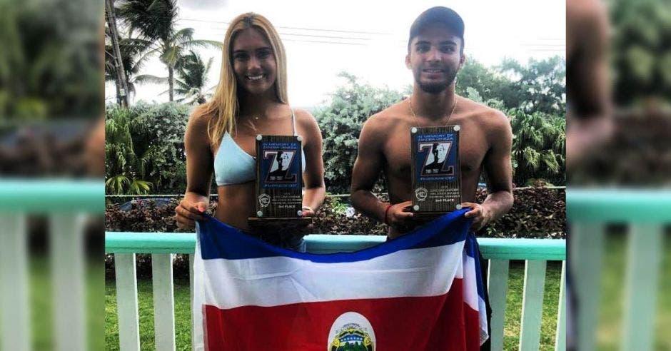 Dos ticos obtienen podio en la misma Liga Mundial de Surf por primer vez