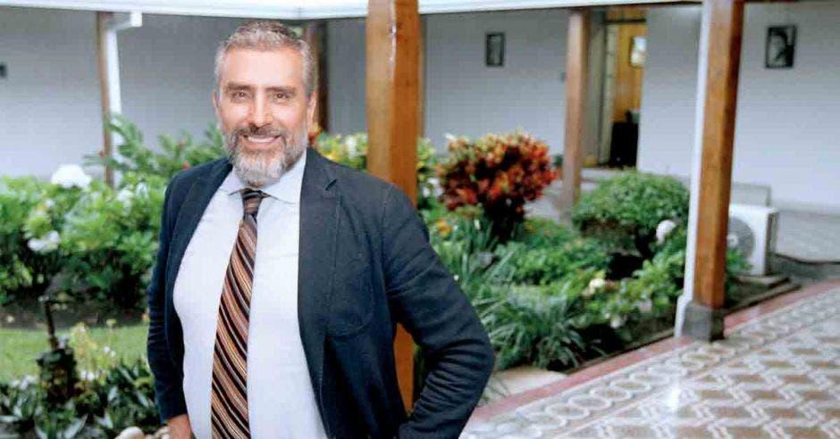 """""""Costa Rica requiere revertir la dirección que llevamos en este momento y enfocarnos en la reforma del Estado y la reactivación económica"""", dijo Otto Guevara, exdiputado. Archivo/La República."""