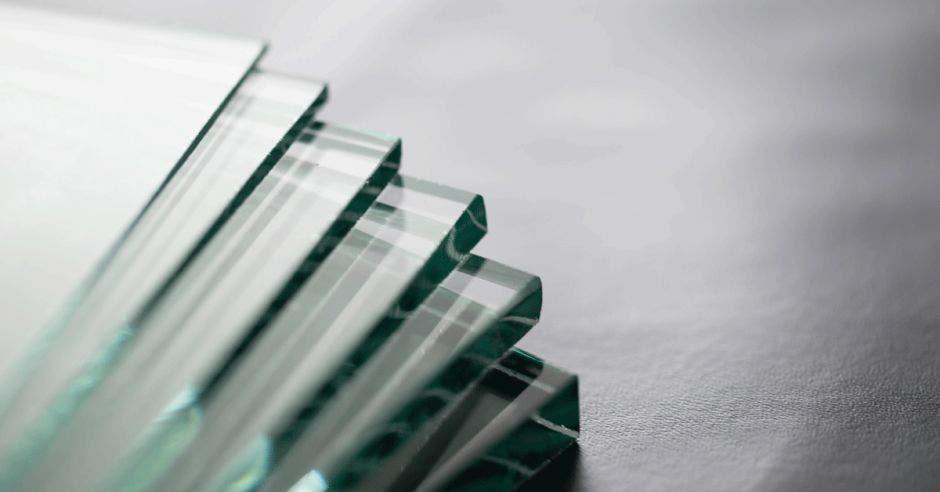 Seis láminas de vidrio