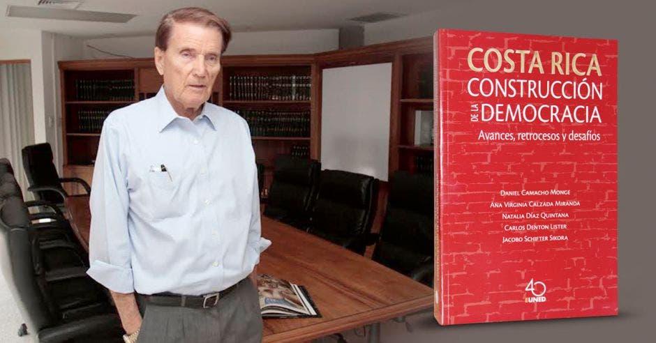 """El libro representa una celebración de 200 años de vida independiente y, al mismo tiempo, un análisis serio sobre """"la salud del sistema democrático, sus tropiezos y sus virtudes"""", según Carlos Denton, coordinador del libro y uno de sus escritores."""