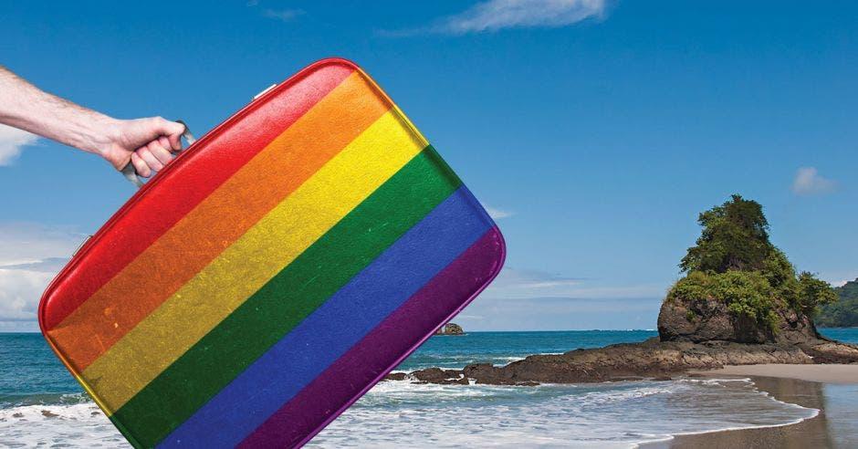 Un maletín con los colores de la bandera LGBTI