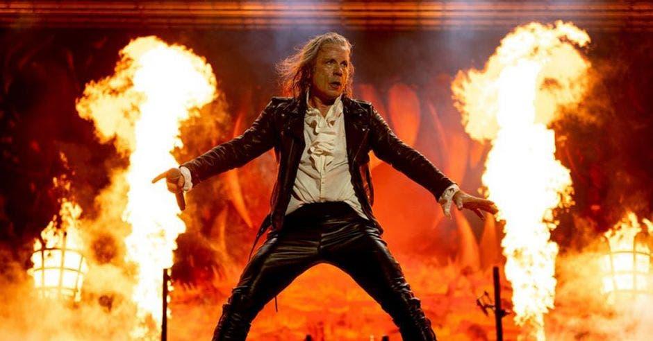cantante de Iron Maiden