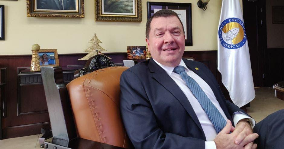 El Dr. Pablo Guzmán Stein, Rector de UCIMED.