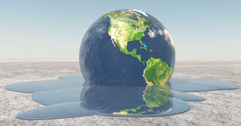 Un globo terráqueo derritiéndose