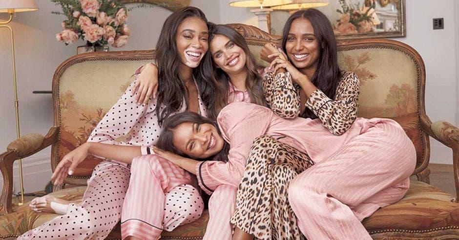 modelos en pijama