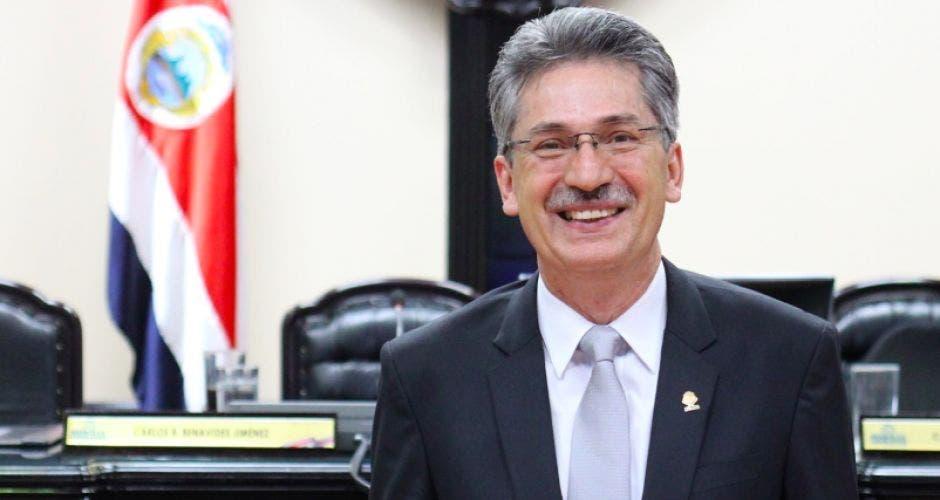 Welmar Ramos diputado del PAC en el plenario.