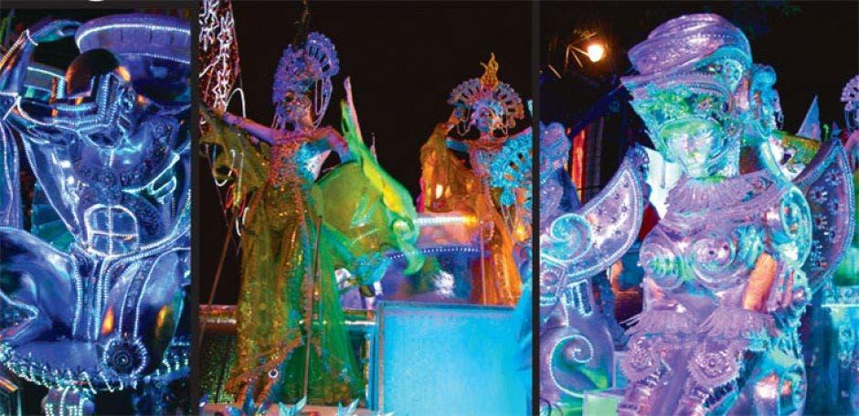 Carrozas multicolores que participaron en la edición anterior del festival de la Luz