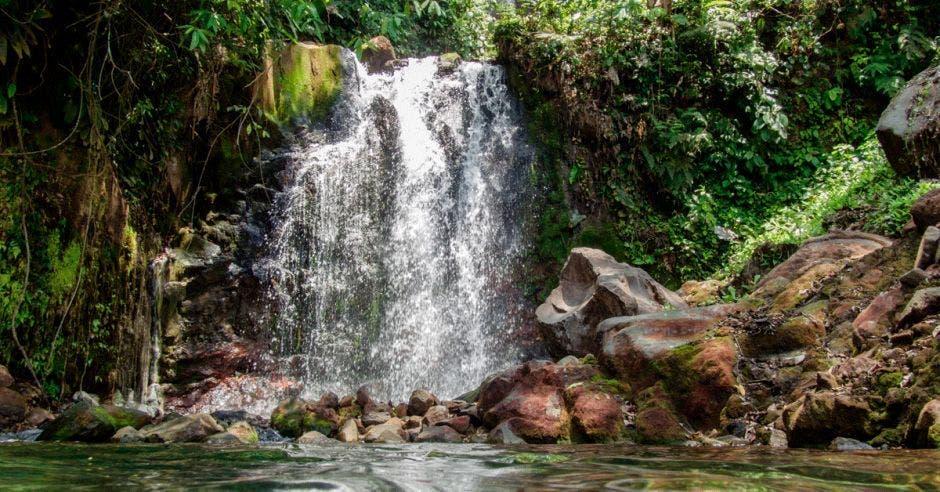 Una catarata en el sector de Rincón de la Vieja