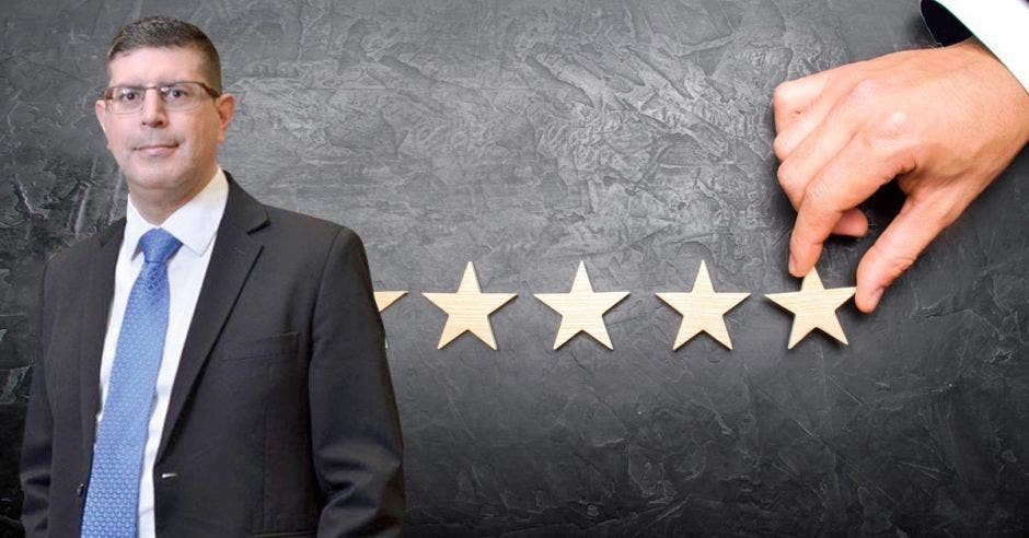 La calificación de 100 es una nota de excelencia y denota un esfuerzo por superar los desafíos, según el ranking.  En la foto Gustavo Vargas, gerente general del Banco  Nacional. Shutterstock- Cortesía/La República.