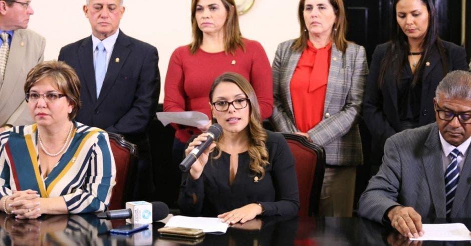 Los diputados en contra del aborto, fallaron en su intento. Archivo/La República.