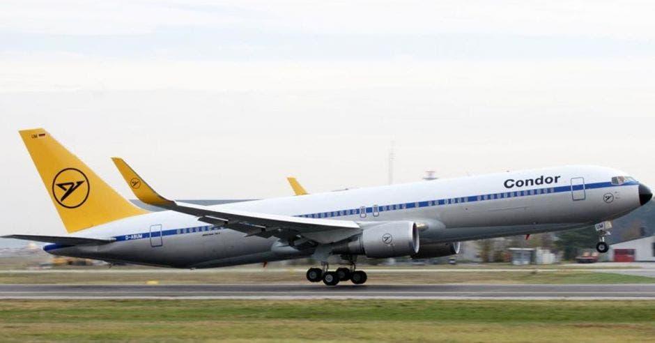 La ruta operará los miércoles y domingos en un Boeing 767-300 con capacidad para 255 pasajeros. Cortesia/La República