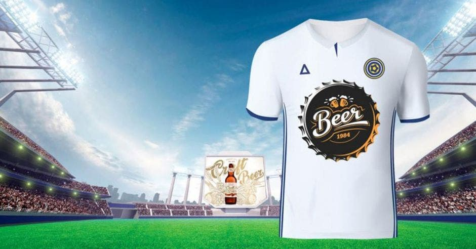 camisa y cancha de futbol