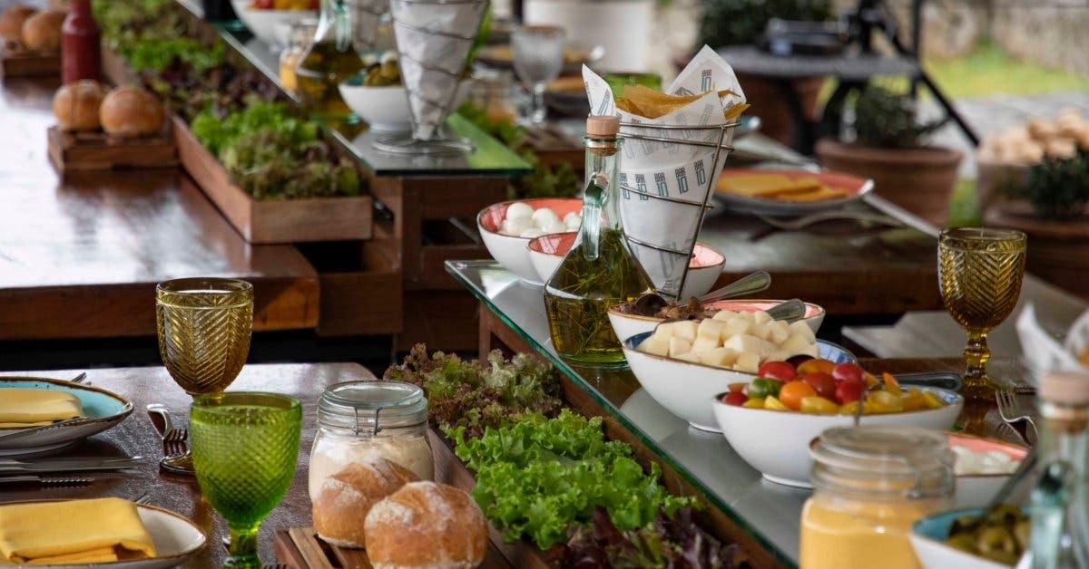 comida servida tipo buffet