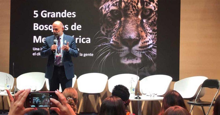 Carlos Manuel Rodríguez, ministro de Ambiente, durante una de sus ponencias en la COP25