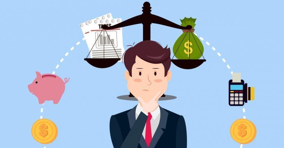 Hombre de traje piensa en el gasto de dinero, impuestos y demás sobre balanza
