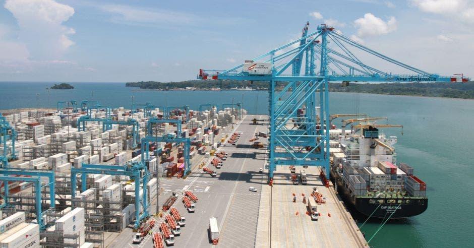 puerto de APM Terminals en Moín