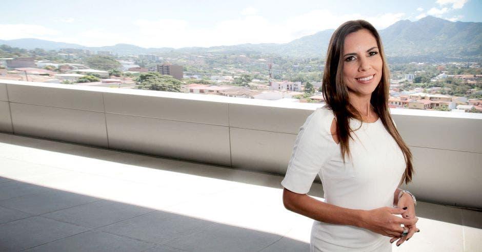 """""""todas tenemos la capacidad física, emocional e intelectual para lograr cualquier proyecto que nos propongamos"""", dijo Silvia Canales, directora de ELS Estudio Legal. Archivo/La República."""