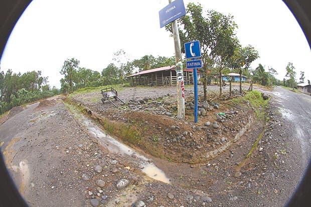 Fátima es el primer pequeño poblado que cruza la trocha fronteriza