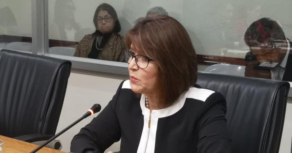Sandra Zúñiga fue electa ayer en lugar de Carlos Chinchilla. Cortesía/La República.