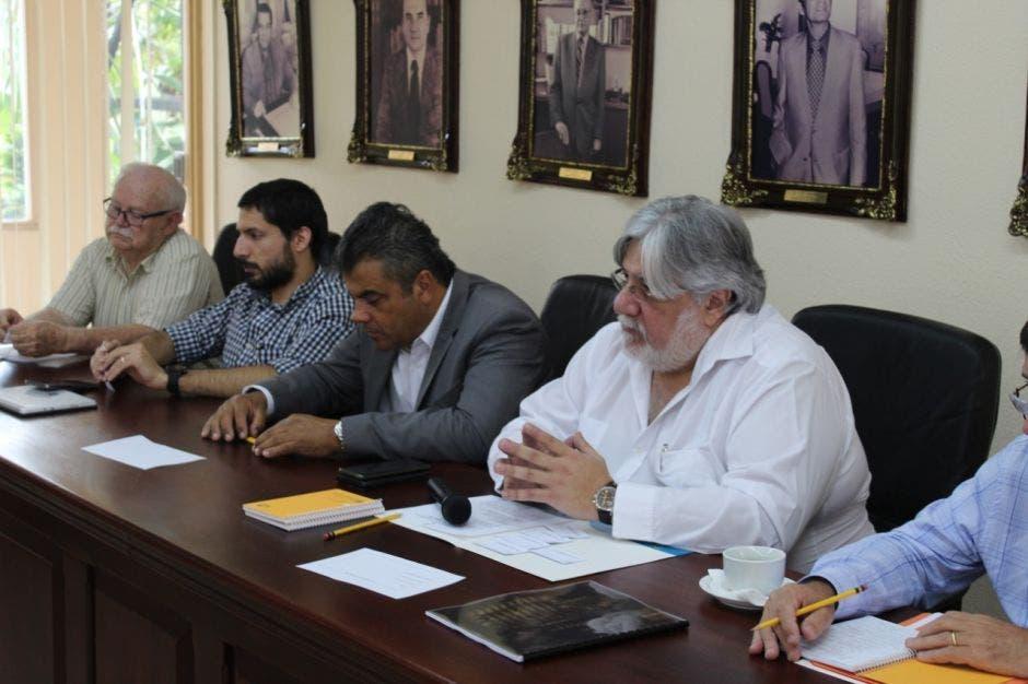 Miembros de la junta directiva de CANARA el día de la elección