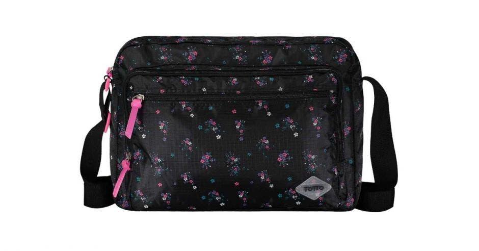Bolso negro con detalles rosados