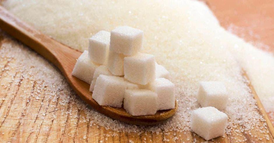 Azúcar en cuchara