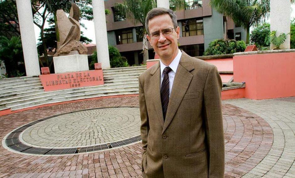 Luis Antonio Sobrado, presidente del Tribunal Supremo de Elecciones. Archivo/La República.