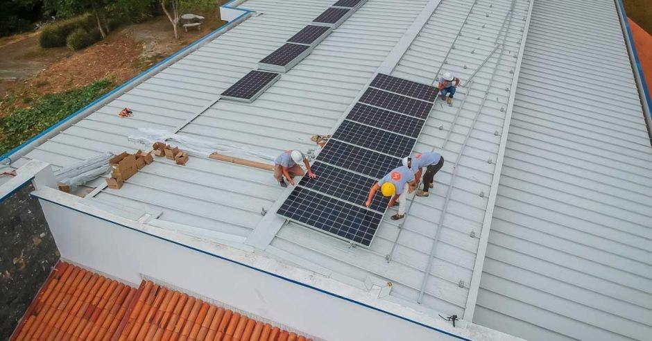 Uno de los exitosos proyectos de Seléctrica, fue el de Icafé, el que produjo un ahorro importante y permanente, en la factura eléctrica.   Cortesía Seléctrica/LA REPÚBLICA.