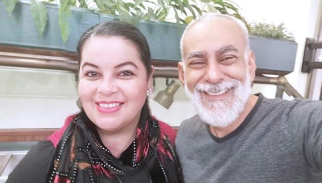 La soprano nacional Graciela Vargas junto al pintor Osvaldo Sequeira.