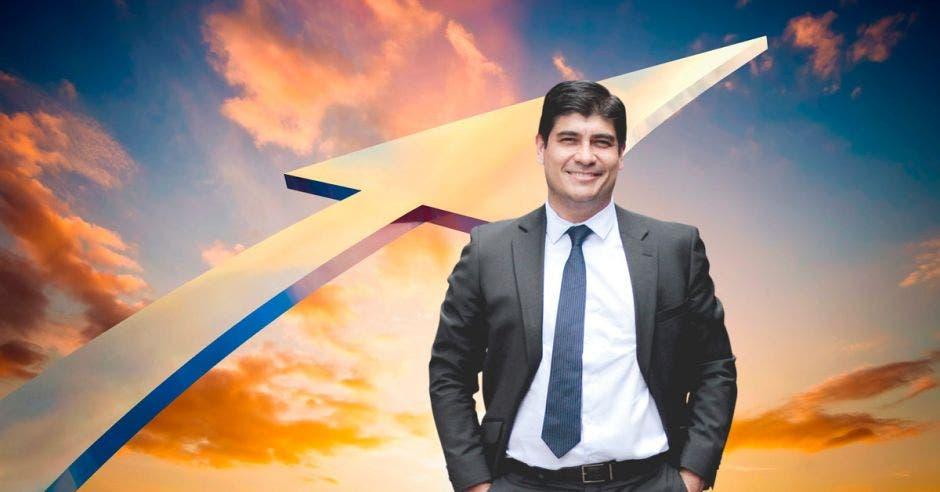 Flecha hacia el cielo con Carlos Alvarado