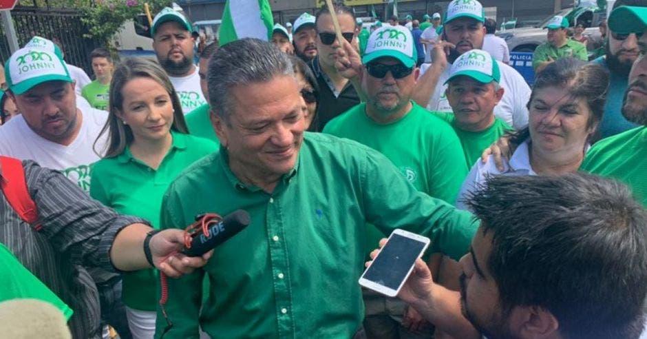 El verdiblanco logró obtener ayer su quinto período al frente del municipio capitalino. Esteban Arrieta/La República