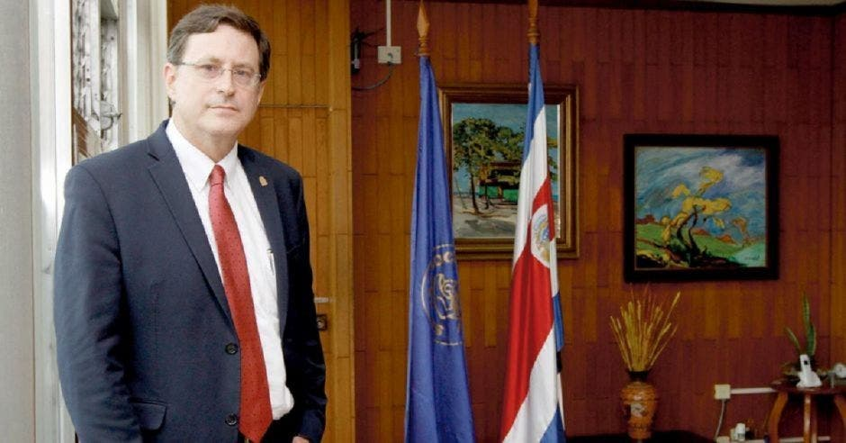 Román Macaya, presidente de la Caja. Archivo/La República.