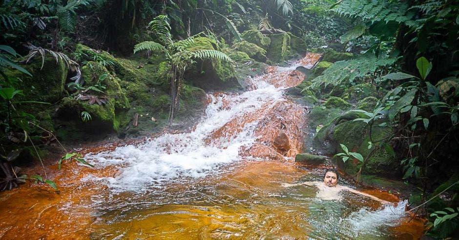 agua termal natural