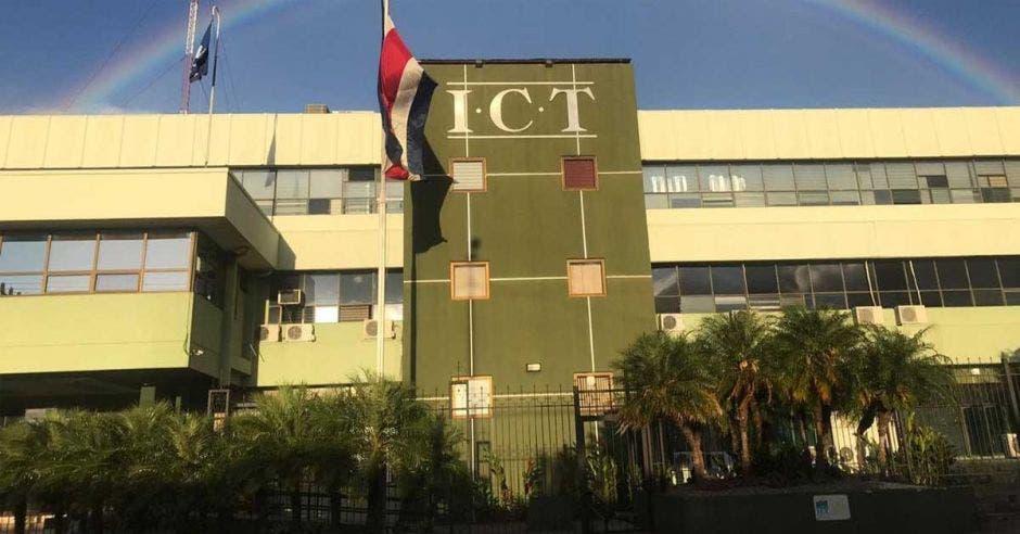 Fachada del ICT