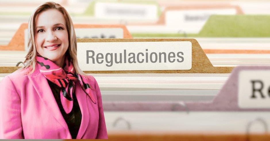 La Ulacit tiene en espera la aprobación de 25 carreras ante el Conesup. En la imagen Silvia Castro, rectora de esa universidad Cortesía/La República