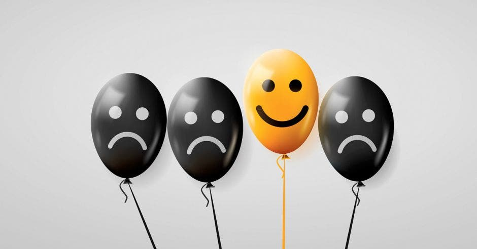 Globos tristes y solo uno feliz