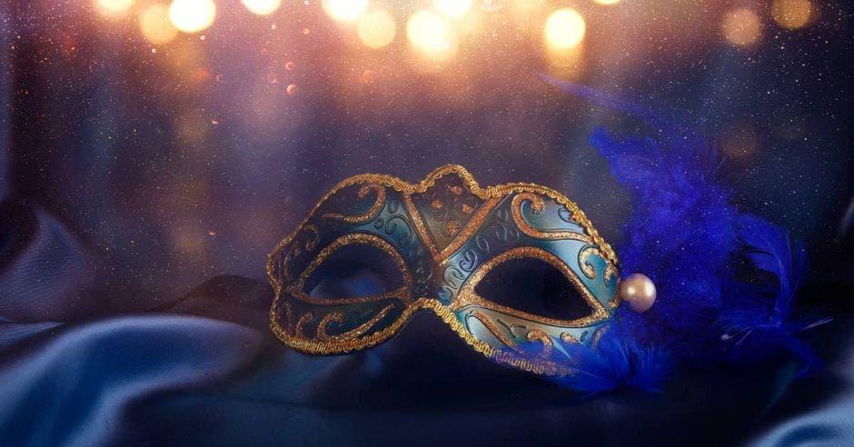 mascara de opera
