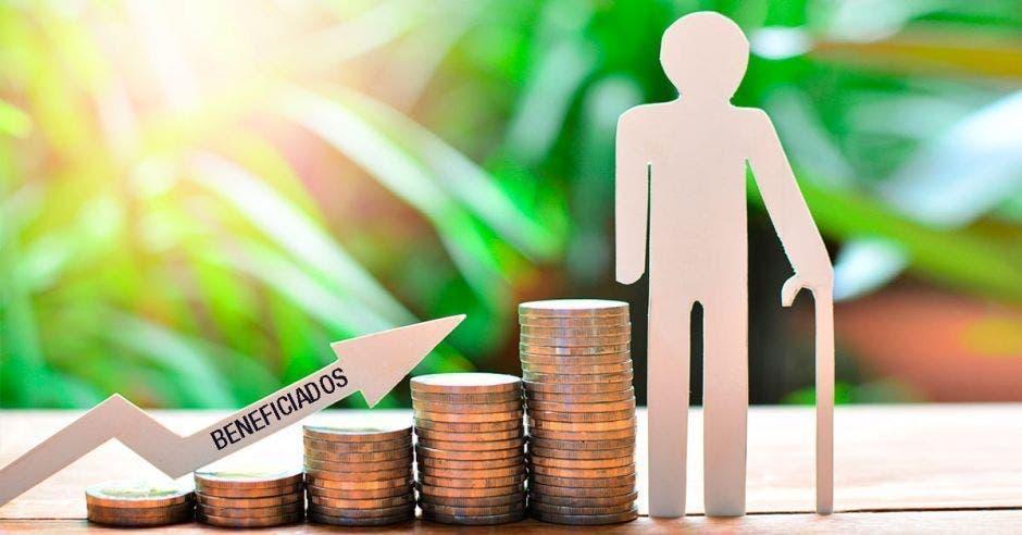 Las operadoras de pensiones tendrían que liquidar ¢137 mil millones. Archivo/La República.