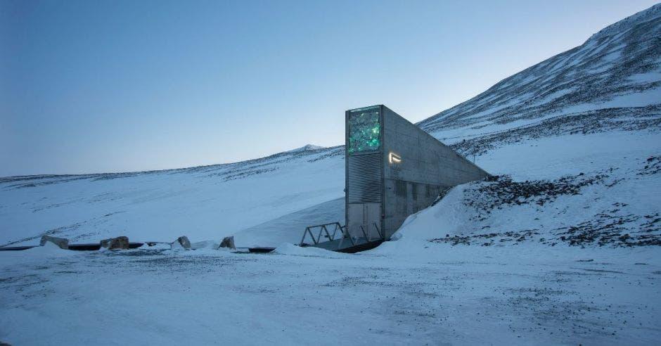 Una bóveda en medio de la nieve