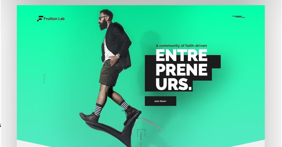 Un diseño con un joven caminando sobre el sitio web