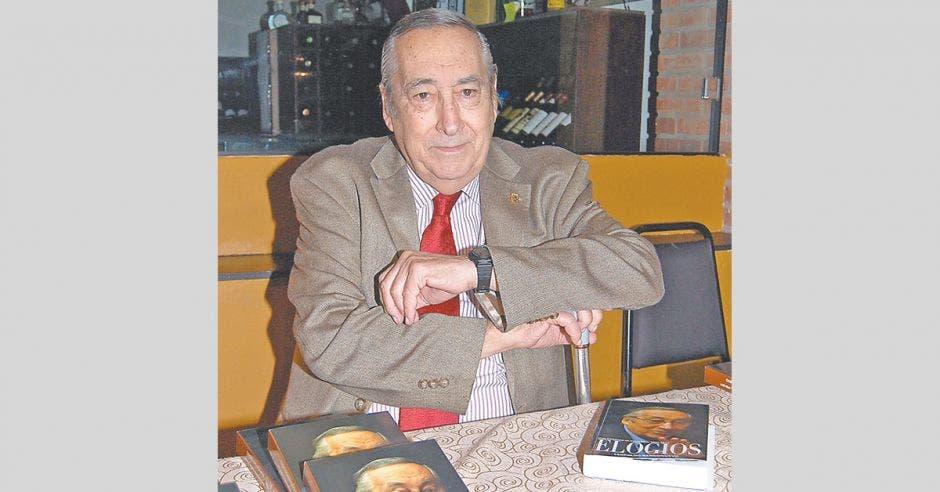 Leopoldo Barrionuevo columnista del Periódico La República
