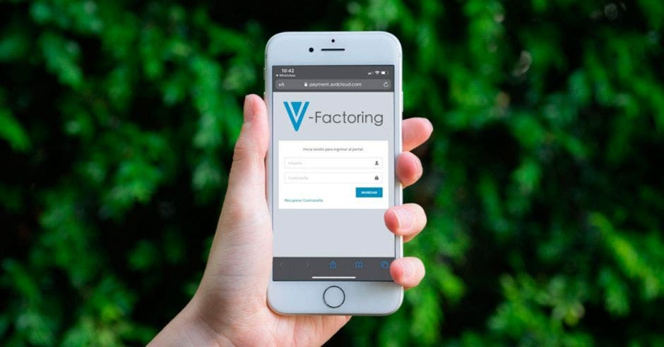 V-Factoring es una herramienta tan accesible que usted puede ingresar a ella desde su propio celular. Cortesía/La República