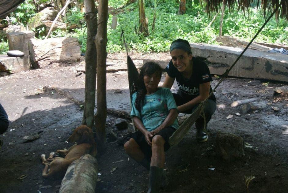 Rocío Mora en la comunidad de Alto Telire