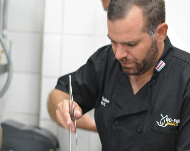 Chef preparando un platillo