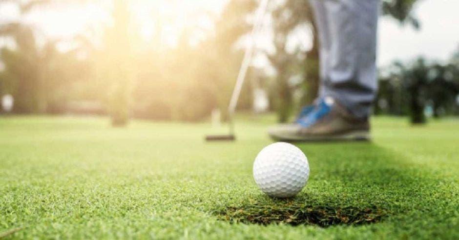 golf y pelota