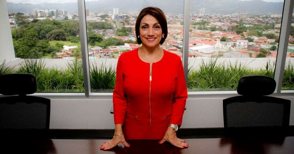 Victoria Hernández.